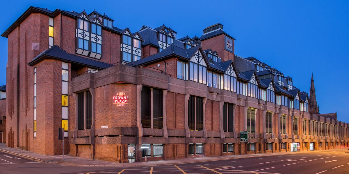 crowne plaza chester 4589360077 2x1